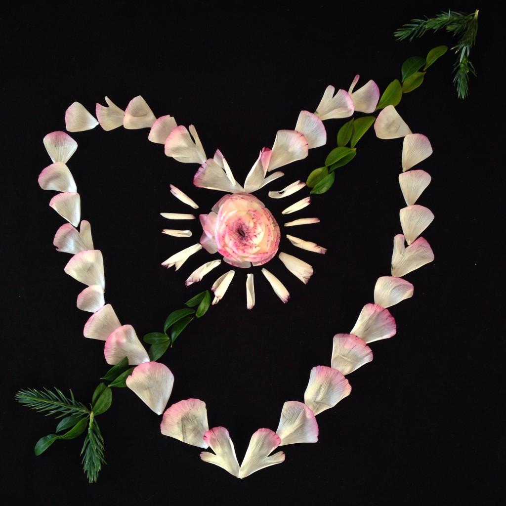 Det fina hjärtat är ett blomsterpill av min goda vän Annelie på @anneliesblomsterochbakverk